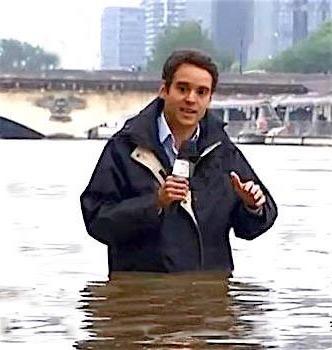 http://www.gilblog.fr/_Media/journaliste-inondation_med_hr.jpeg